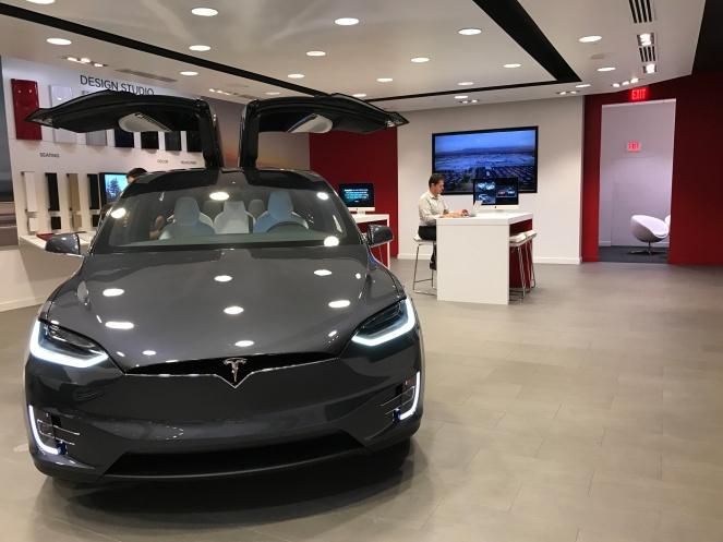 Ecco il Modello X di Tesla